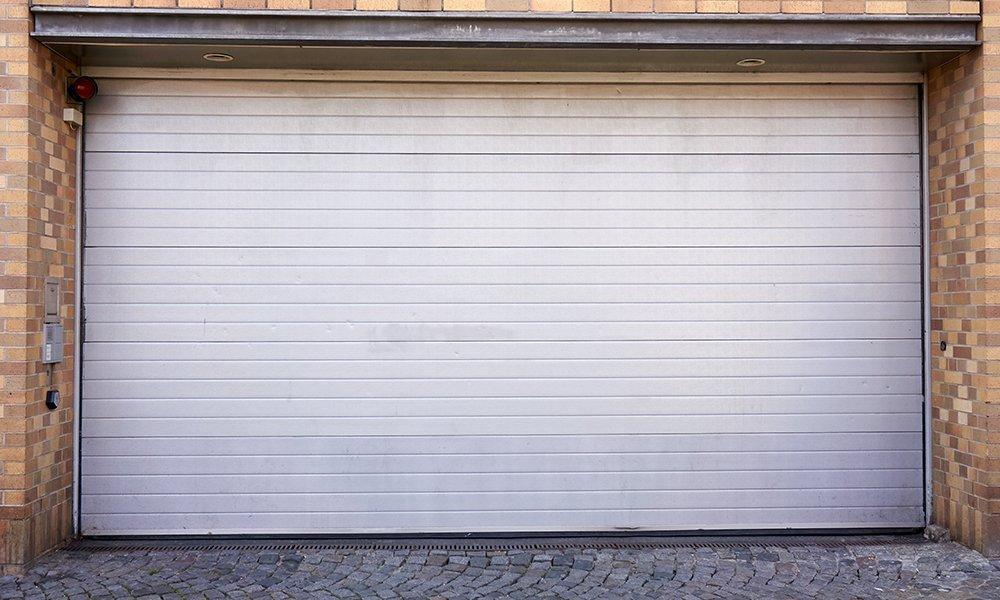 Sistema de serramento tagliafuoco per garage