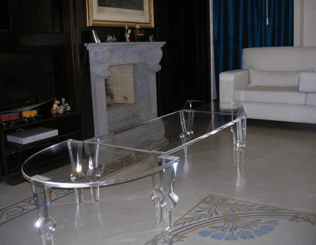 tavolino in plexiglas