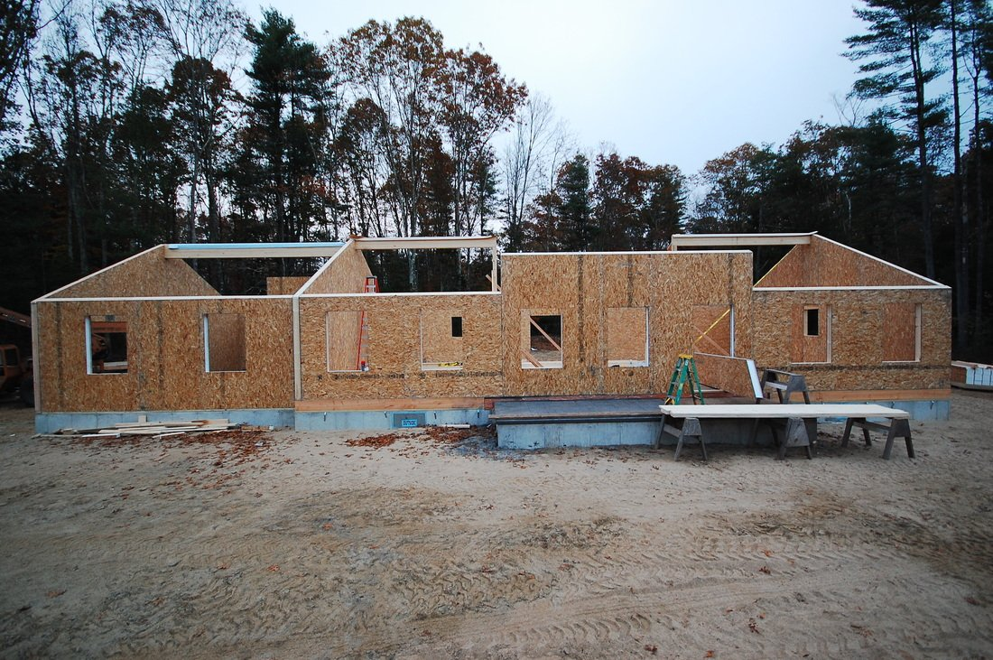 building walls with structural insulated panels - SIP Building Solutions - Westport, Fairfield, Stamford, Greenwich, Danbury CT