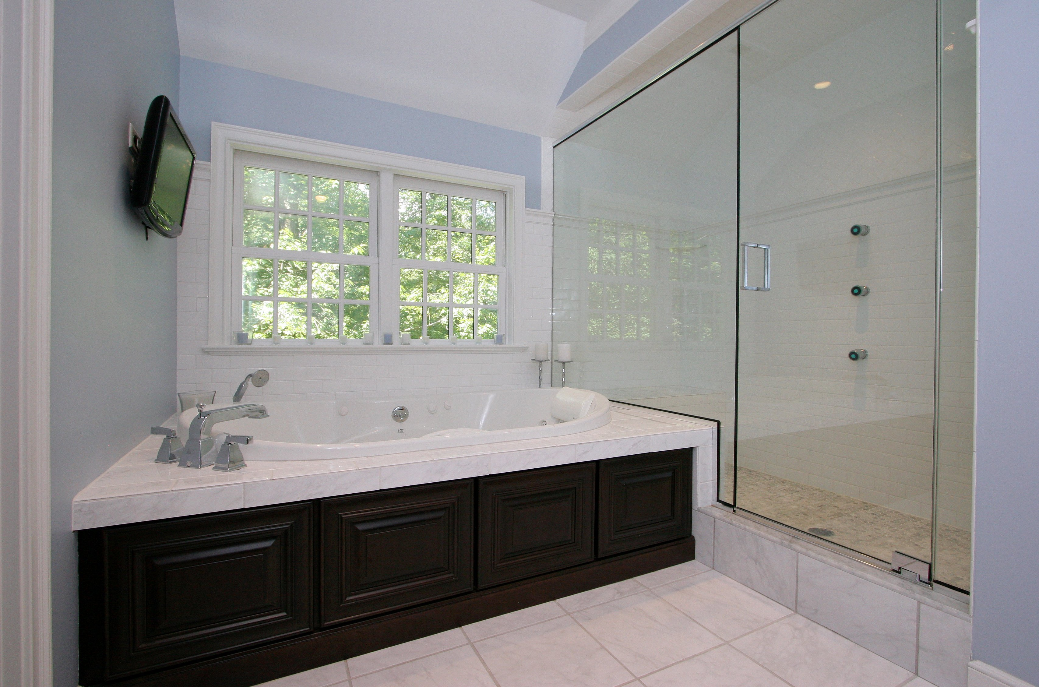 general contractor bathroom with jacuzzi, renovated by SIP Building Solutions - Westport, Fairfield, Stamford, Greenwich, Danbury CT
