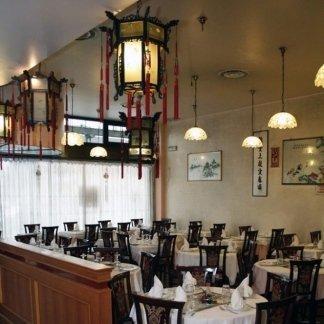 sala ristorante con decorazoni cinesi