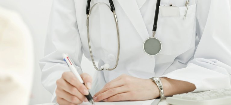 Frankston private specialist doctor lady doctor hands