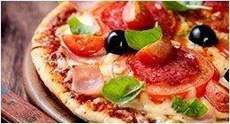 preparazione pizza artigianale