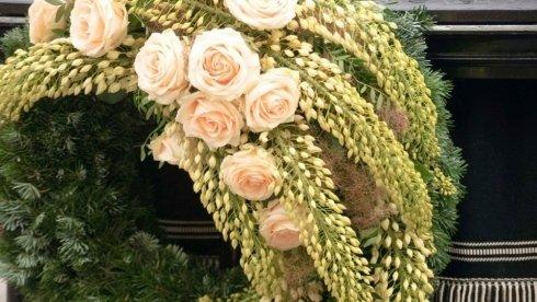 allestimento fiori funerali