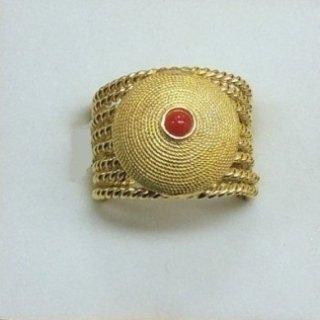 anello con corallo