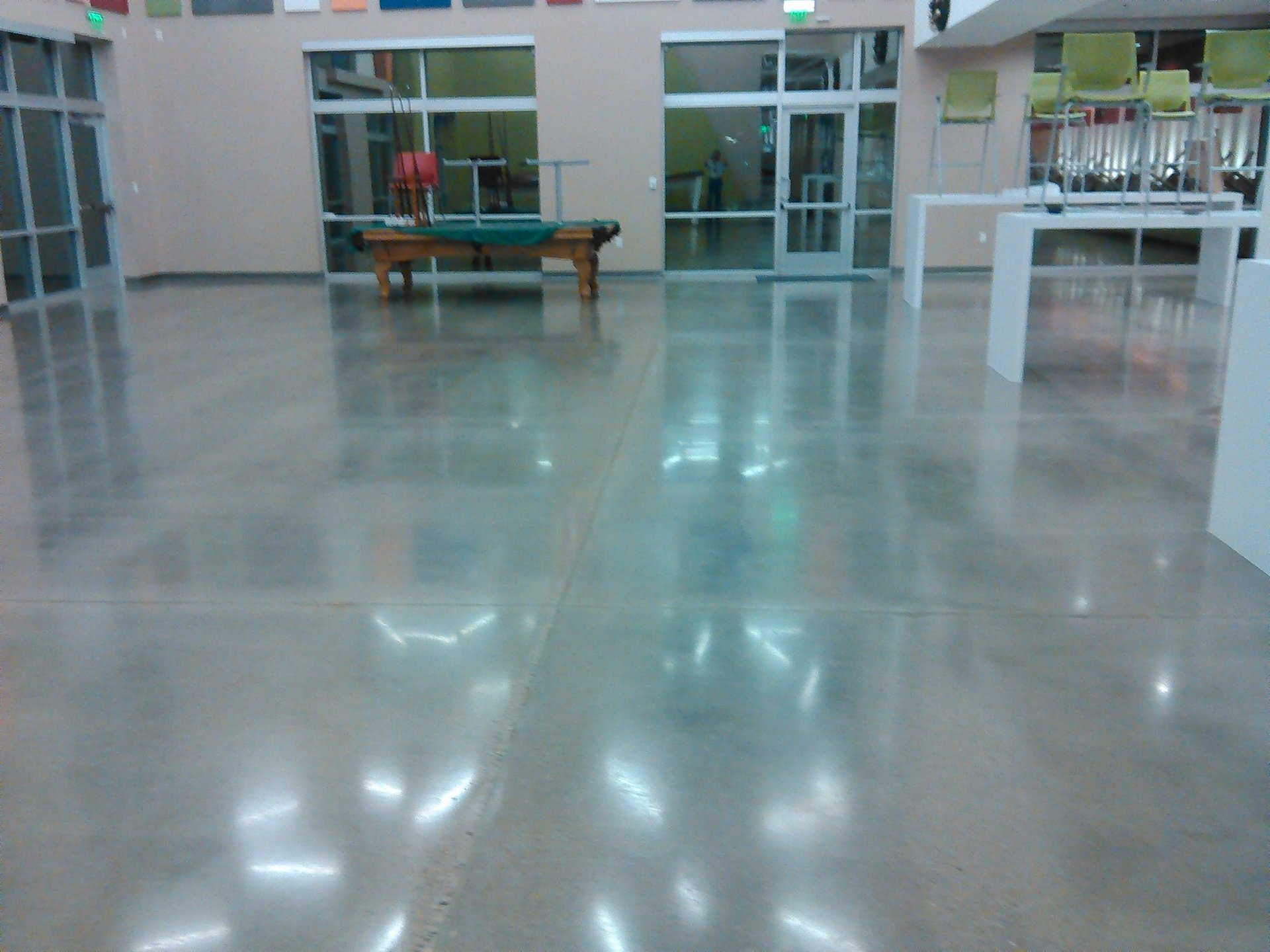 Professional floor cleaning work