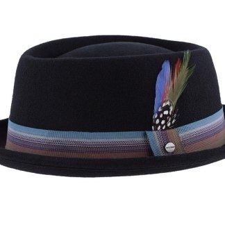 realizzazione manuale, cappelli in tessuto