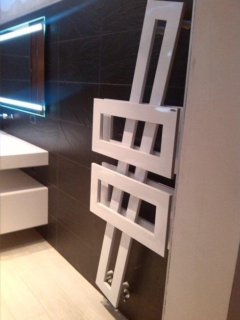 Termoarredo dal design moderno per un bagno all