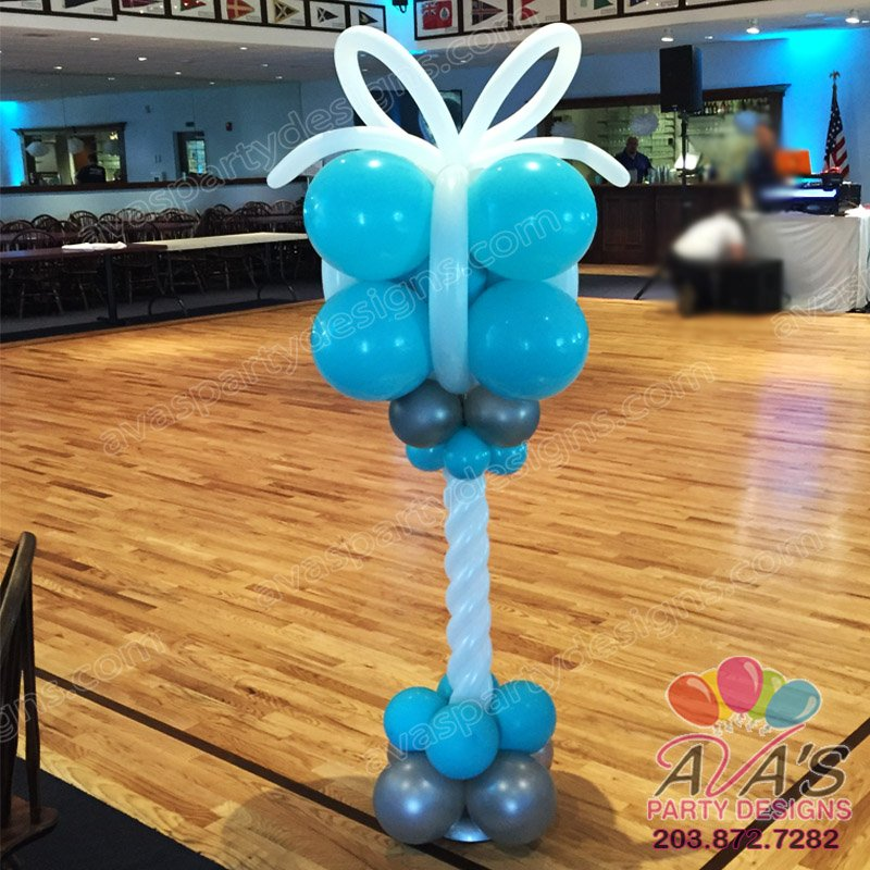 Tiffany Gift Box Balloon Column, gift box balloon sculpture, balloon decoration idea for tiffany theme birthday party