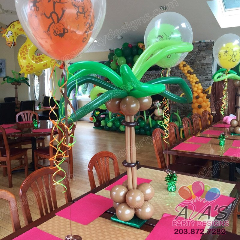 Tropical Palm Tree Balloon Centerpiece, table top palm tree, Jungle theme balloon decoration, animal theme party balloon ideas