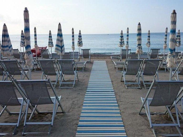 Hotel sul mare con spiaggia - Hotel Nuova Bristol