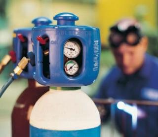 lavorazione gas, gas in bombole, gas compressi