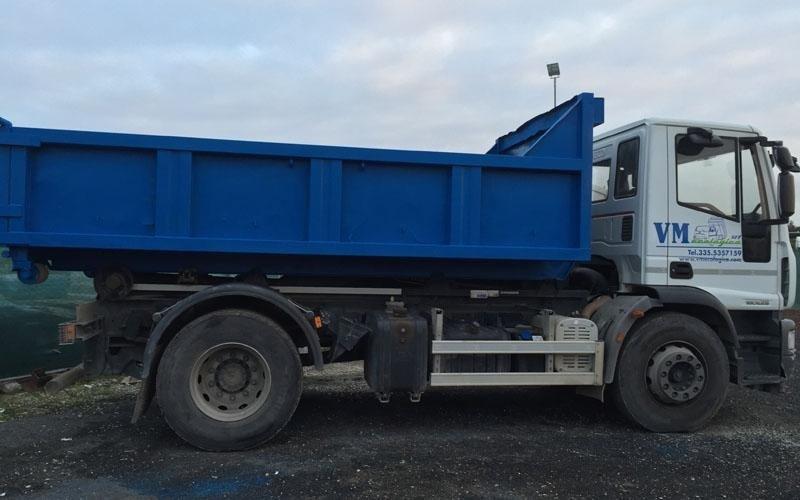 mezzo per trasporto rifiuti roma