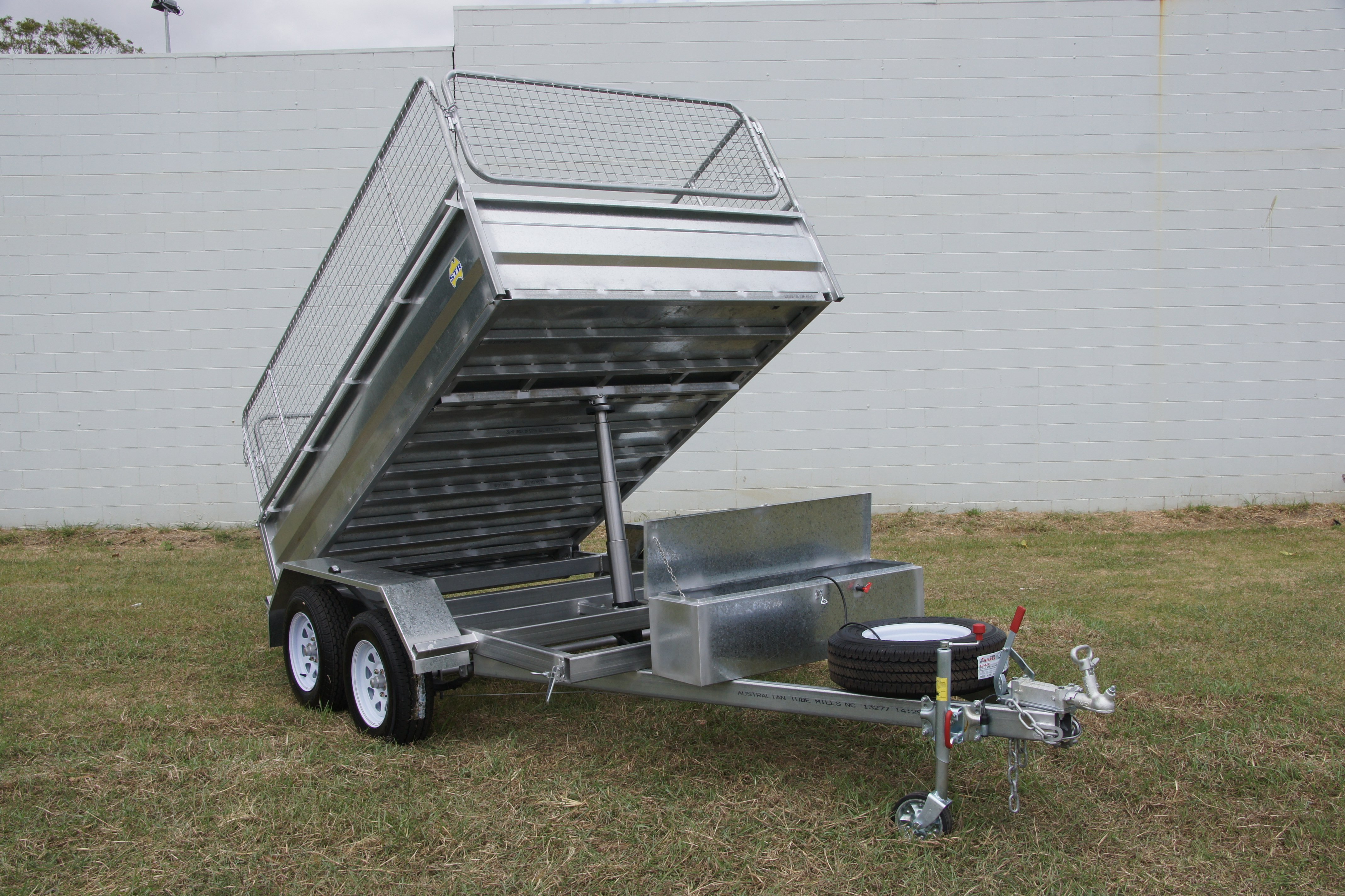 Hydraulic Lift Trailers Sales : Trailers for sale str products queensland