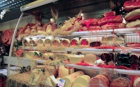 Banco salumi e formaggi