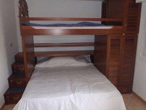 parete con 3 posti letto