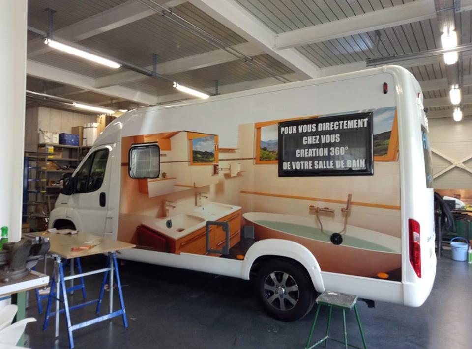 disegno personalizzato su fiancata di un furgone