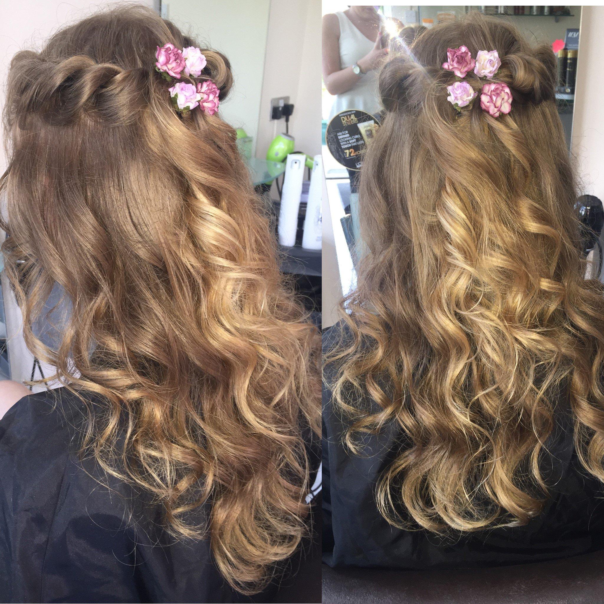 Floral hair decoration