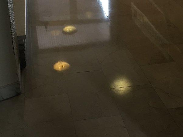 pulizia pavimenti di marmo