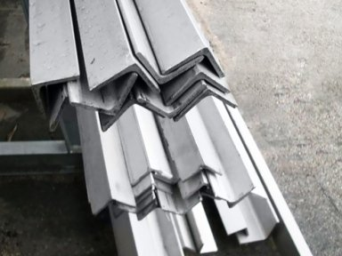 Profilo L barre acciaio