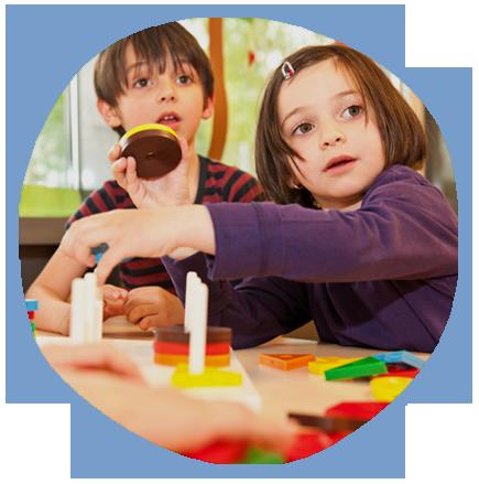 kids solving puzzles