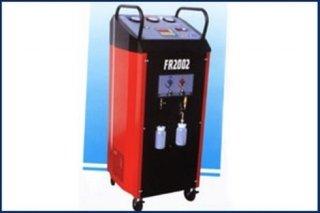 sistemi trattamento refrigeranti A/C, stazioni di recupero, bilancie elettroniche