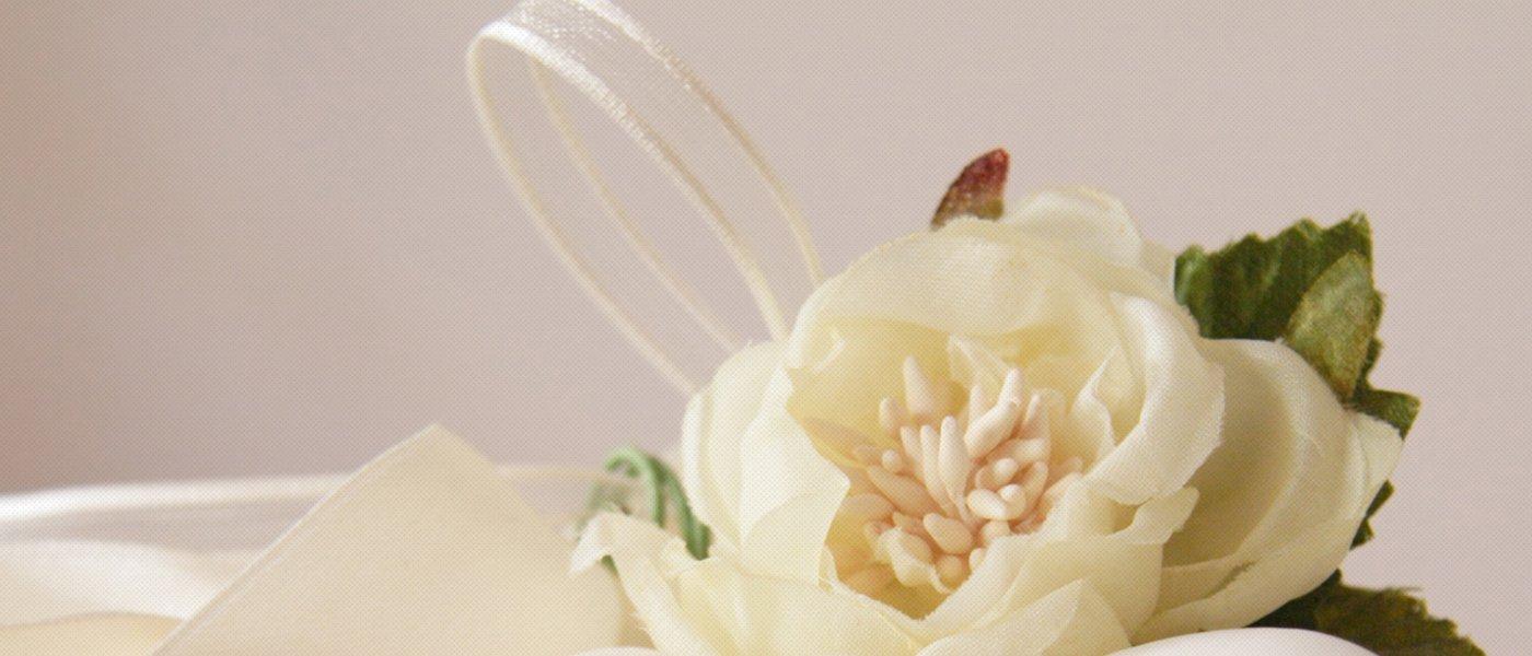rosa bianca finta per addobbi florreali