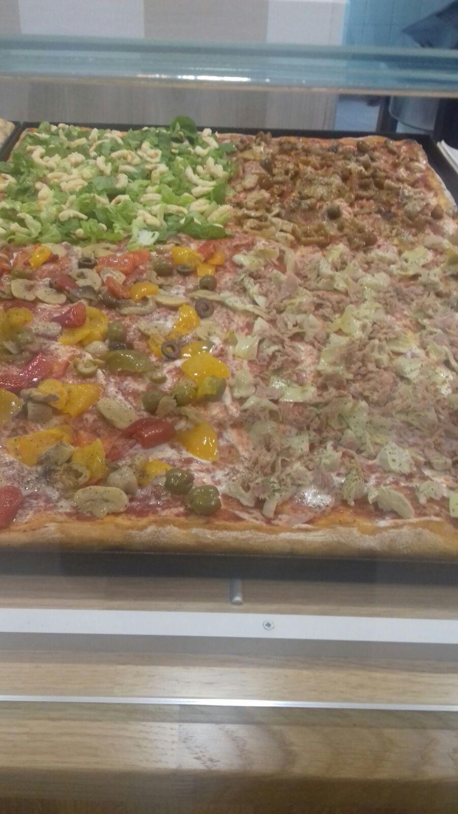Pizzeria Magic Pizza, Valmontone (RM), tranci