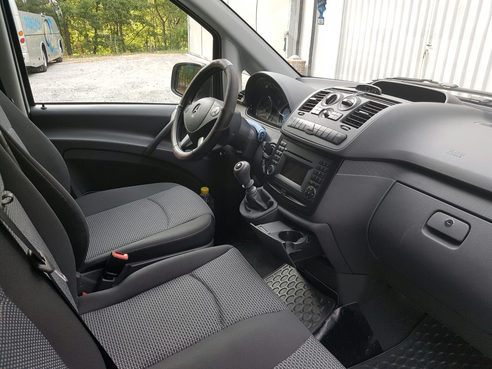 interno di un minibus