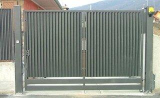 cancello con tamponamento a sistema