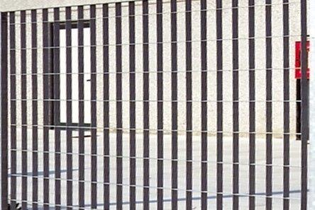 cancello grigliato