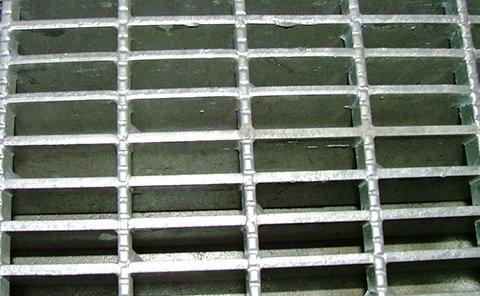 griglia metallica per pavimentazioni