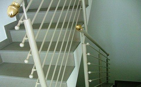 balconata tubi orrizzontali
