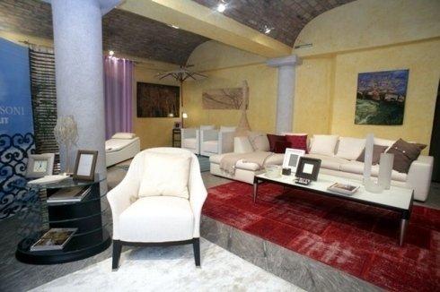 Esposizione poltrone e divani