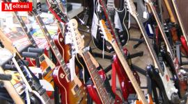 Molteni, Varese, Chitarre, Bassi, Amplificatori, Chitarre classiche, Chitarre acustiche, Chitarre folk, Bassi acustici