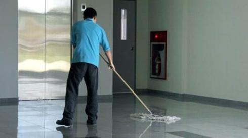 pulizia manuale pavimenti