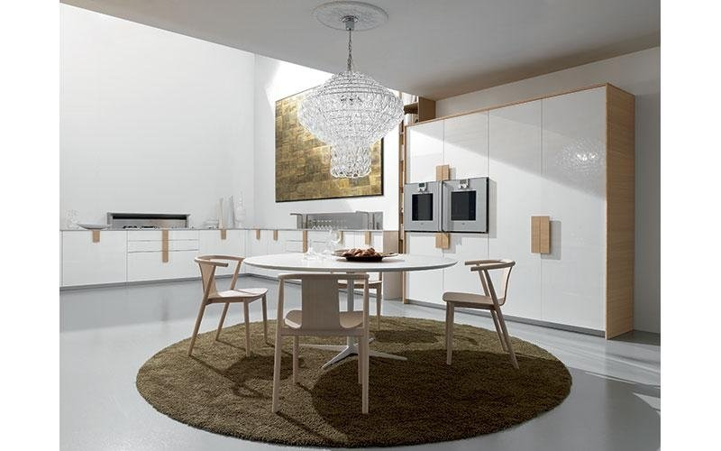 tavolo bianco in stile moderno