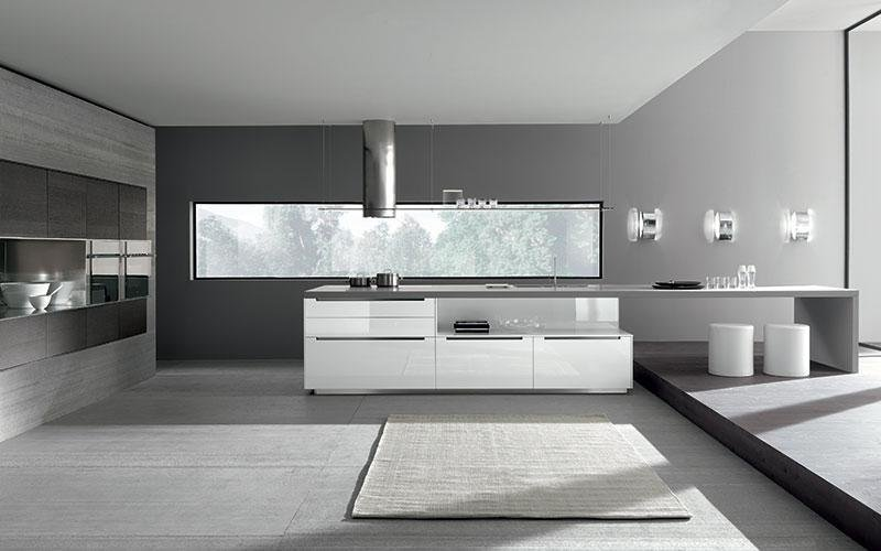 cucina con isola bianca