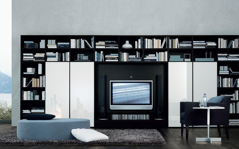 soggiorno con parete attrezzata