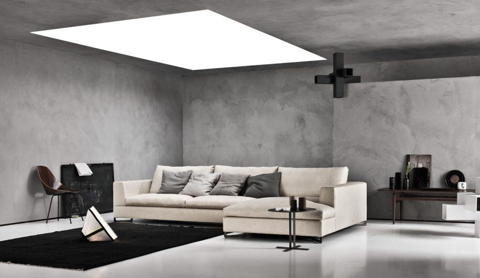 divano bianco ad angolo