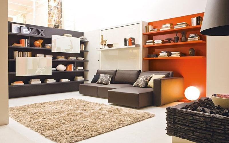 soggiorno con divano con penisola
