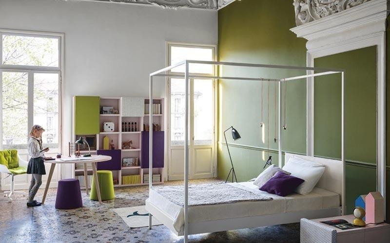 cameretta verde con letto a baldacchino