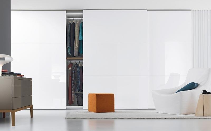 armadio scorrevole bianco