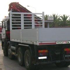 Autogru con cassone fisso Intercambiabile montati su veicolo