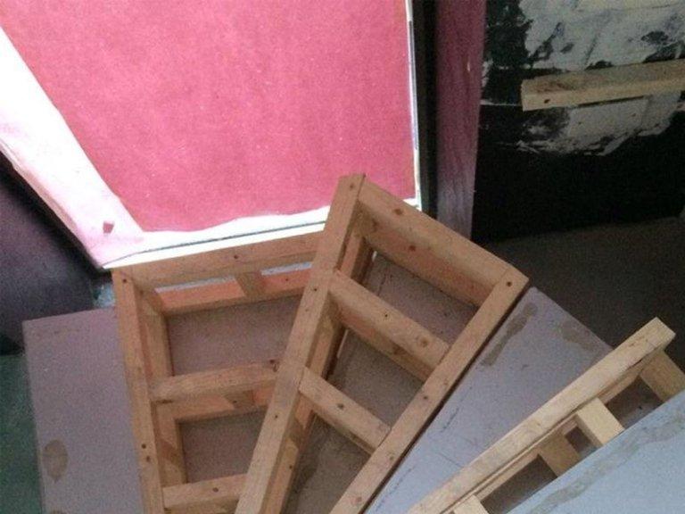 rivestimento scale in legno
