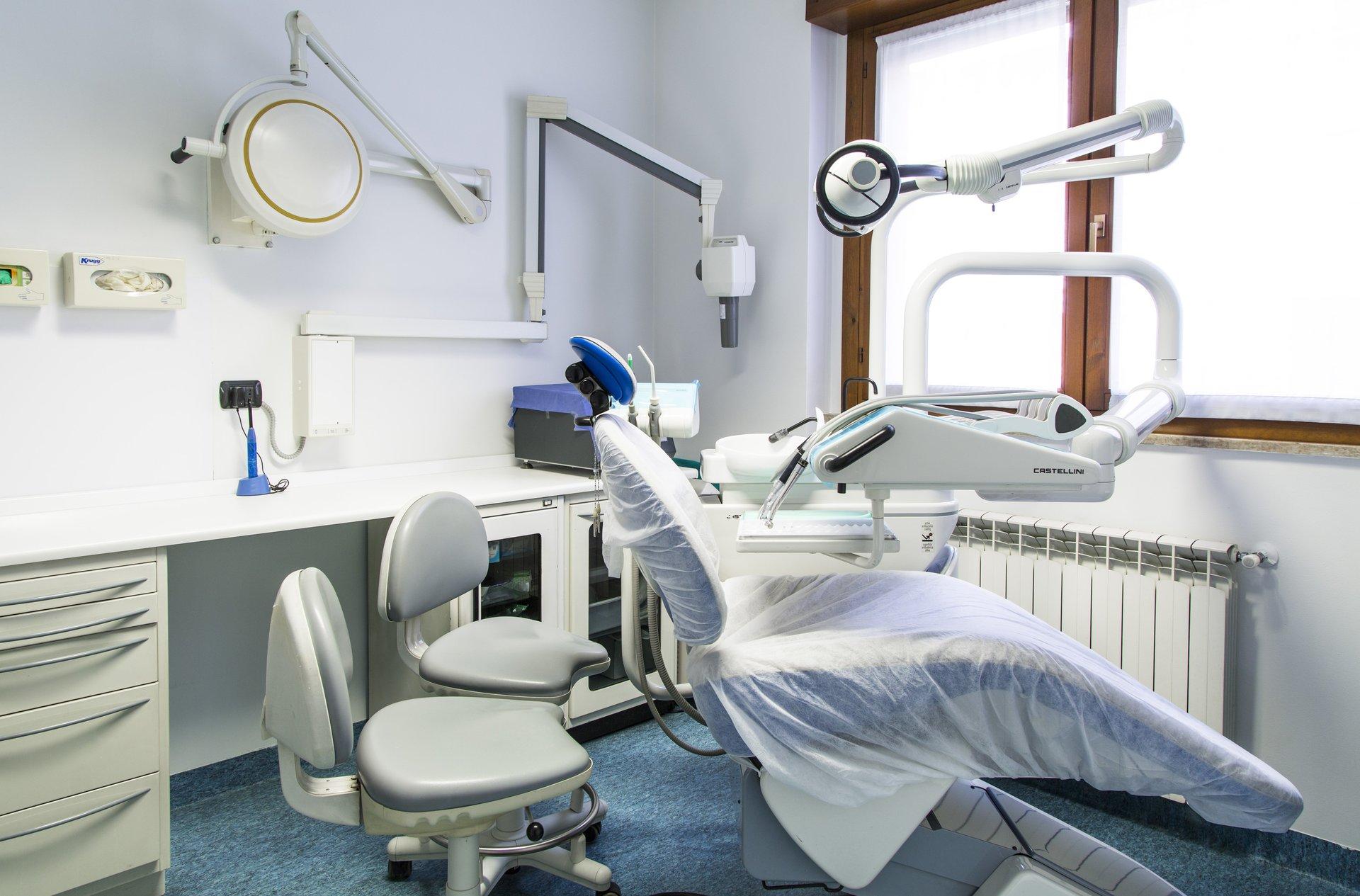 laboratorio studio dentistico