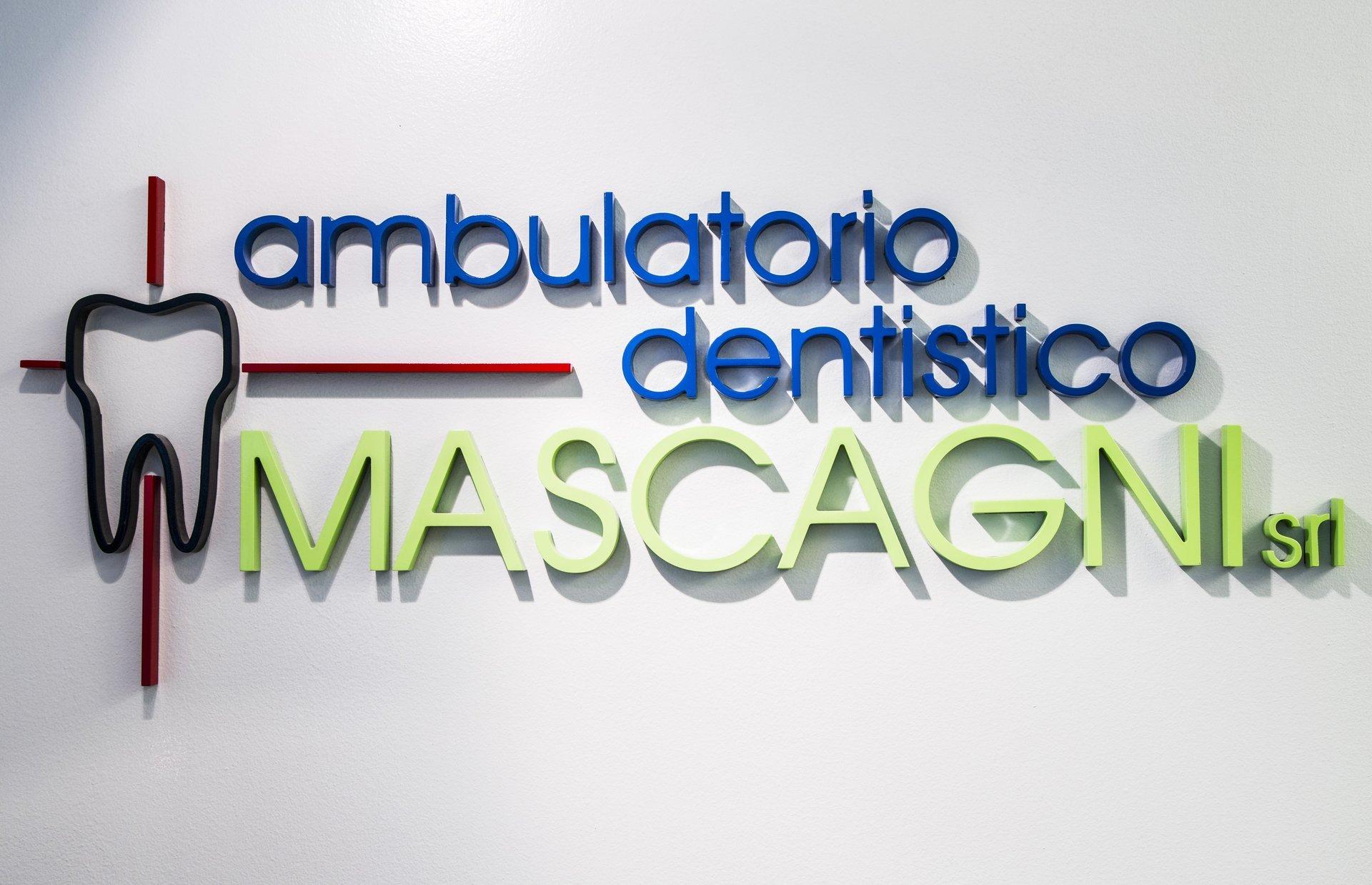 insegna studio dentistico