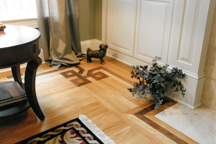 Wood floor with pattern