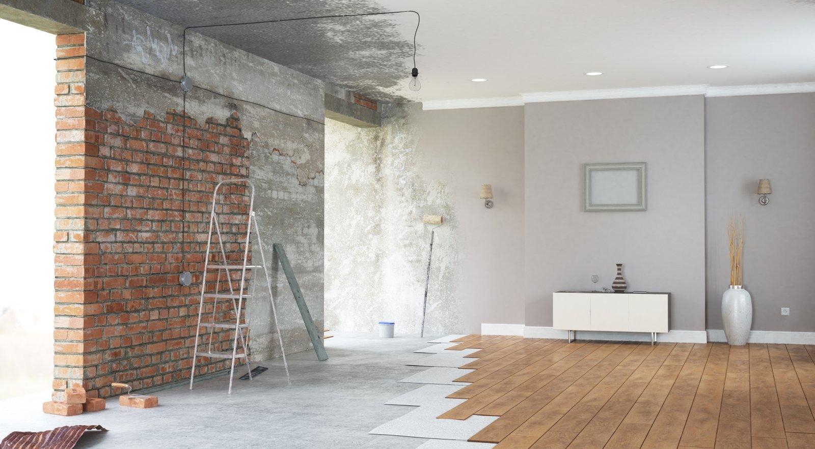 Salon modificato, parete per dipingere e pavimento per coprire