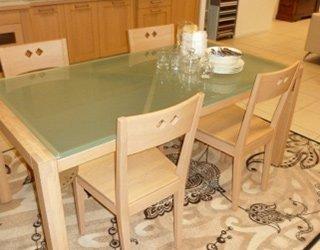 tavolo in rovere massiccio con piano vetro